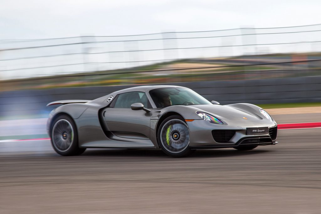 2015-Porsche-918-Spyder-front-three-quarter-in-motion-031